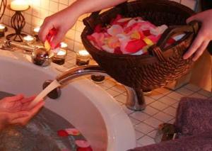 Silverado-resort-rose-petals
