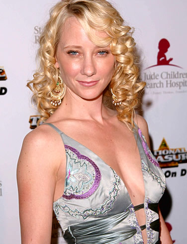 Anne-heche-crazy-eyes